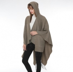 Elegant autumn and winter new design Solid color hooded cape