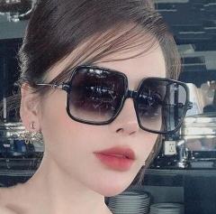 2021 Occident fashion hot sale square shaped sunglasses
